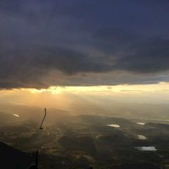 Flugwegposition um 18:02:35: Aufgenommen in der Nähe von Gemeinde Sittersdorf, Österreich in 2075 Meter