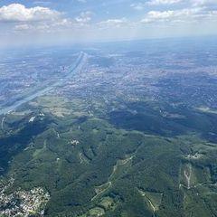 Flugwegposition um 11:41:18: Aufgenommen in der Nähe von Gemeinde Klosterneuburg, Klosterneuburg, Österreich in 1731 Meter