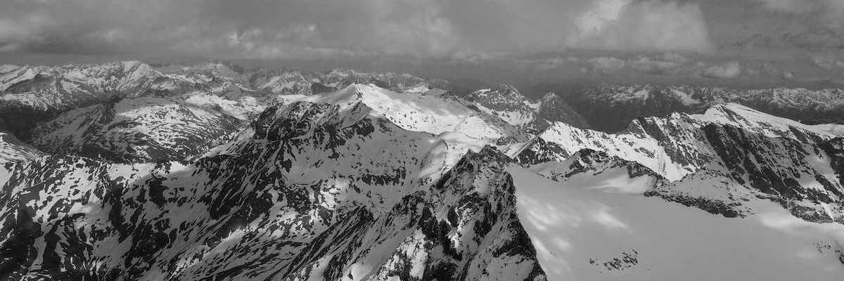 Flugwegposition um 14:31:06: Aufgenommen in der Nähe von Gemeinde Rauris, 5661, Österreich in 3136 Meter