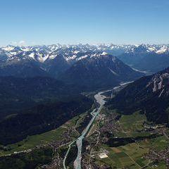Flugwegposition um 11:05:00: Aufgenommen in der Nähe von Gemeinde Pflach, Österreich in 2443 Meter