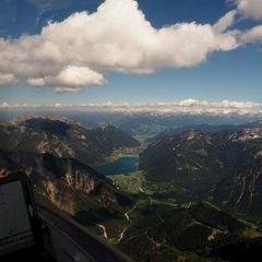 Flugwegposition um 13:53:00: Aufgenommen in der Nähe von Gemeinde Eben am Achensee, Österreich in 2359 Meter