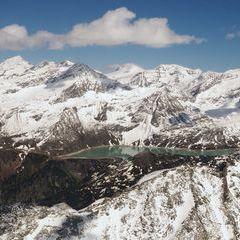 Flugwegposition um 14:40:00: Aufgenommen in der Nähe von Gemeinde Uttendorf, Österreich in 2741 Meter