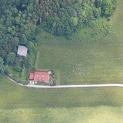 Flugwegposition um 10:54:18: Aufgenommen in der Nähe von Gemeinde Zell am Moos, 4893 Zell am Moos, Österreich in 1310 Meter