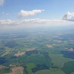 Flugwegposition um 13:44:04: Aufgenommen in der Nähe von Okres České Budějovice, Tschechien in 1843 Meter