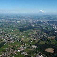 Flugwegposition um 08:09:43: Aufgenommen in der Nähe von Gemeinde Hallein, Hallein, Österreich in 1661 Meter