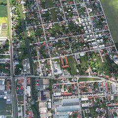 Flugwegposition um 13:06:01: Aufgenommen in der Nähe von Pottendorf Gemeinde, Österreich in 1098 Meter