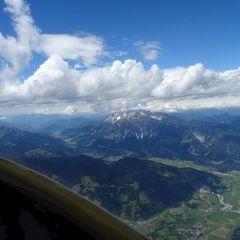 Flugwegposition um 12:19:55: Aufgenommen in der Nähe von Gemeinde Saalfelden am Steinernen Meer, 5760 Saalfelden am Steinernen Meer, Österreich in 3066 Meter