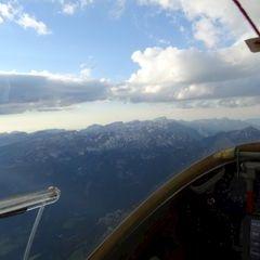 Flugwegposition um 17:35:39: Aufgenommen in der Nähe von Stainach-Pürgg, Österreich in 2588 Meter