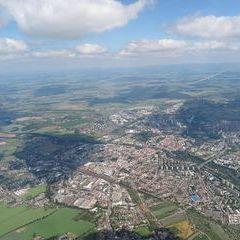 Flugwegposition um 11:57:11: Aufgenommen in der Nähe von Okres Hradec Králové, Tschechien in 1749 Meter