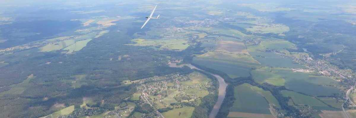Flugwegposition um 11:10:23: Aufgenommen in der Nähe von Okres Trutnov, Tschechien in 1636 Meter