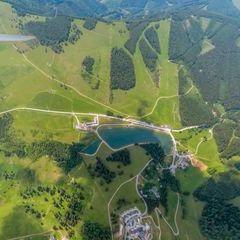 Flugwegposition um 10:11:28: Aufgenommen in der Nähe von Gemeinde Breitenau am Hochlantsch, 8614, Österreich in 2025 Meter