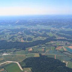 Flugwegposition um 09:54:02: Aufgenommen in der Nähe von Gemeinde Bad Blumau, Österreich in 1481 Meter