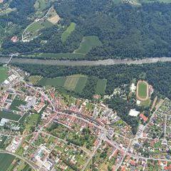 Flugwegposition um 10:50:07: Aufgenommen in der Nähe von Gemeinde Mureck, 8480 Mureck, Österreich in 1288 Meter