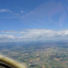 Flugwegposition um 10:22:22: Aufgenommen in der Nähe von Gemeinde Kilb, Österreich in 1583 Meter