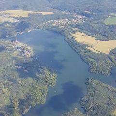 Verortung via Georeferenzierung der Kamera: Aufgenommen in der Nähe von Okres Znojmo, Tschechien in 2000 Meter