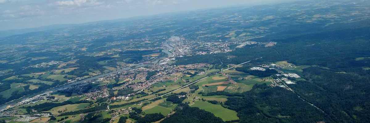 Flugwegposition um 12:14:56: Aufgenommen in der Nähe von Passau, Deutschland in 1412 Meter