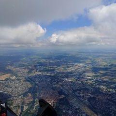 Flugwegposition um 13:10:22: Aufgenommen in der Nähe von Regensburg, Deutschland in 2015 Meter