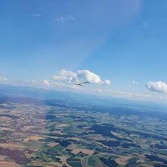Flugwegposition um 14:37:42: Aufgenommen in der Nähe von Gemeinde Senftenbach, Österreich in 1469 Meter