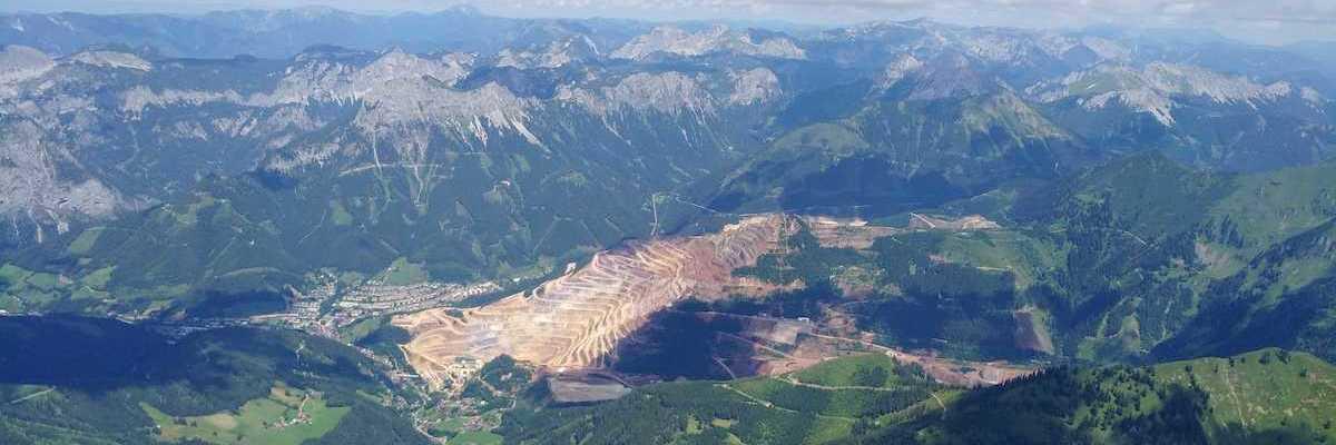 Flugwegposition um 11:30:50: Aufgenommen in der Nähe von Eisenerz, Österreich in 2466 Meter