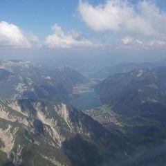 Flugwegposition um 15:57:28: Aufgenommen in der Nähe von Gemeinde Eben am Achensee, Österreich in 2392 Meter