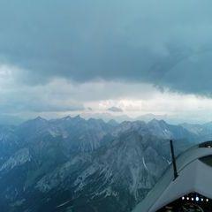 Flugwegposition um 14:08:43: Aufgenommen in der Nähe von Gemeinde Strengen, Österreich in 3188 Meter