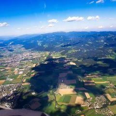 Flugwegposition um 14:45:45: Aufgenommen in der Nähe von Gemeinde Zeltweg, Zeltweg, Österreich in 2340 Meter