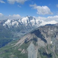 Flugwegposition um 10:12:59: Aufgenommen in der Nähe von Gemeinde Heiligenblut, 9844, Österreich in 2974 Meter