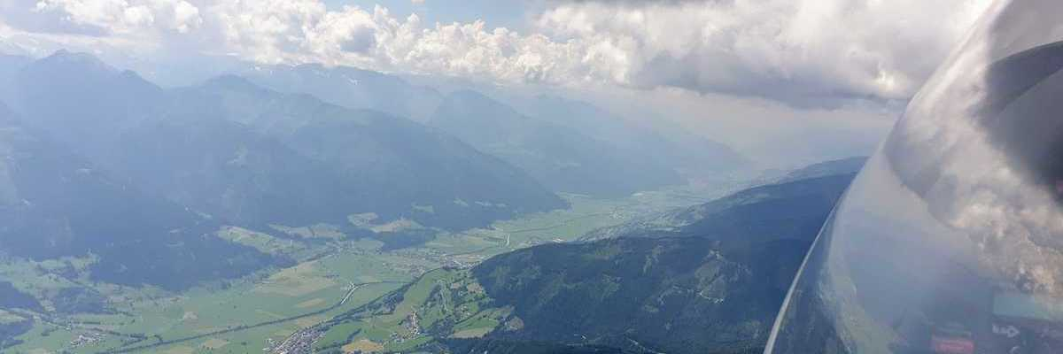 Flugwegposition um 11:42:06: Aufgenommen in der Nähe von Gemeinde Piesendorf, 5721 Piesendorf, Österreich in 2367 Meter