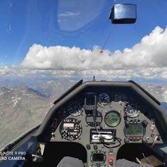 Flugwegposition um 14:41:03: Aufgenommen in der Nähe von Gemeinde Kaunertal, Österreich in 3838 Meter
