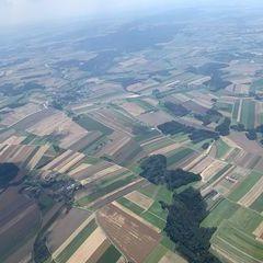 Verortung via Georeferenzierung der Kamera: Aufgenommen in der Nähe von Gemeinde Kautzen, Österreich in 2000 Meter