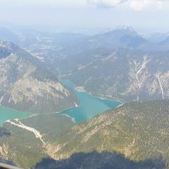 Flugwegposition um 09:42:33: Aufgenommen in der Nähe von Gemeinde Bichlbach, Österreich in 2295 Meter