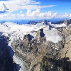 Flugwegposition um 14:57:11: Aufgenommen in der Nähe von Gemeinde Heiligenblut, 9844, Österreich in 3530 Meter