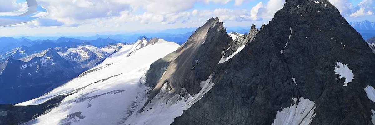 Flugwegposition um 14:55:05: Aufgenommen in der Nähe von Gemeinde Kals am Großglockner, 9981, Österreich in 3526 Meter