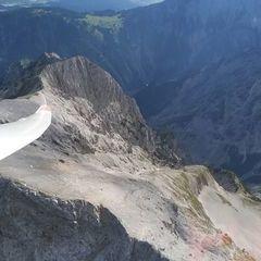 Flugwegposition um 14:17:42: Aufgenommen in der Nähe von Gemeinde Vomp, Österreich in 2491 Meter