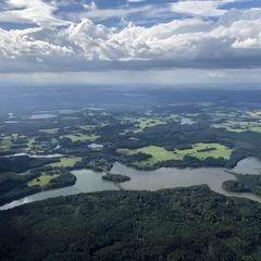 Flugwegposition um 14:36:09: Aufgenommen in der Nähe von Gemeinde Litschau, Österreich in 1393 Meter