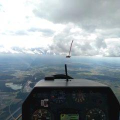 Flugwegposition um 12:02:38: Aufgenommen in der Nähe von Neumarkt in der Oberpfalz, Deutschland in 1930 Meter