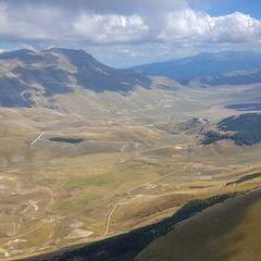 Verortung via Georeferenzierung der Kamera: Aufgenommen in der Nähe von 62039 Castel Sant'angelo Sul Nera MC, Italien in 2200 Meter