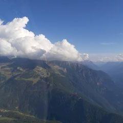 Flugwegposition um 15:27:11: Aufgenommen in der Nähe von Gemeinde Haiming, Österreich in 2315 Meter