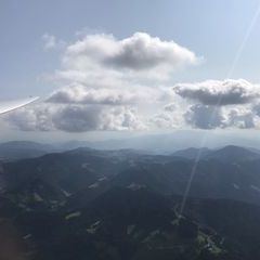 Flugwegposition um 12:55:58: Aufgenommen in der Nähe von Gemeinde Stanz im Mürztal, Österreich in 2021 Meter