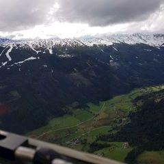 Flugwegposition um 14:12:18: Aufgenommen in der Nähe von Gemeinde Mariapfarr, Österreich in 1961 Meter