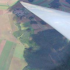 Flugwegposition um 13:18:12: Aufgenommen in der Nähe von Gemeinde Weitersfeld, Österreich in 1534 Meter
