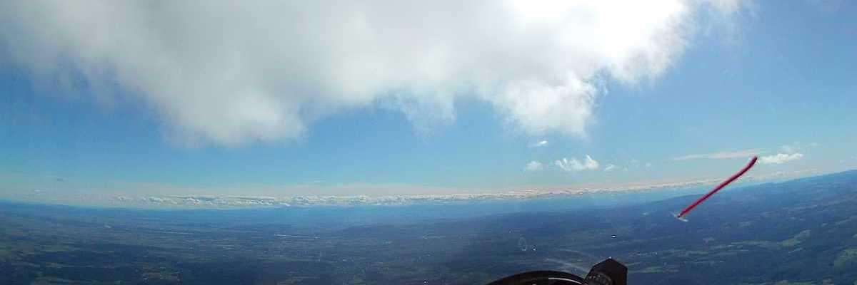 Flugwegposition um 12:51:22: Aufgenommen in der Nähe von Gemeinde Gars am Kamp, Österreich in 1775 Meter