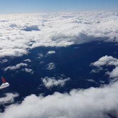 Flugwegposition um 13:00:07: Aufgenommen in der Nähe von Gemeinde Miesenbach, Österreich in 5553 Meter