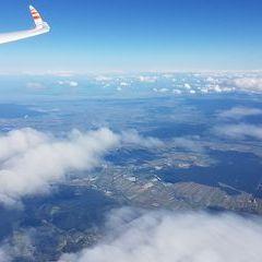 Flugwegposition um 13:01:55: Aufgenommen in der Nähe von Gemeinde Miesenbach, Österreich in 5512 Meter