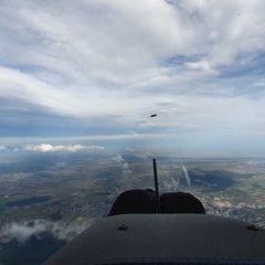Flugwegposition um 13:49:52: Aufgenommen in der Nähe von Gemeinde Wiesen, Wiesen, Österreich in 2443 Meter