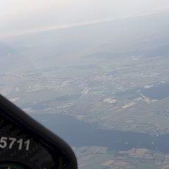 Flugwegposition um 10:46:39: Aufgenommen in der Nähe von Gemeinde Miesenbach, Österreich in 4936 Meter