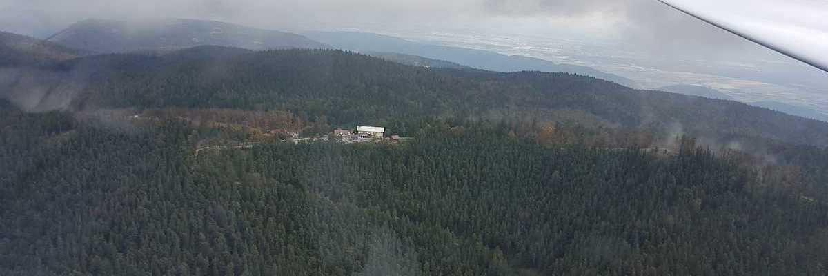 Flugwegposition um 09:49:55: Aufgenommen in der Nähe von Gemeinde Miesenbach, Österreich in 1151 Meter