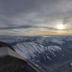 Flugwegposition um 15:13:15: Aufgenommen in der Nähe von Gemeinde Vals, 6154 Vals, Österreich in 4019 Meter