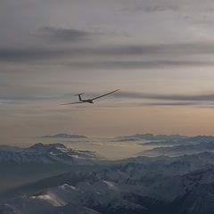 Flugwegposition um 15:31:32: Aufgenommen in der Nähe von Gemeinde Navis, Navis, Österreich in 4104 Meter