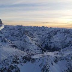 Flugwegposition um 15:58:08: Aufgenommen in der Nähe von Gemeinde Stams, Österreich in 3086 Meter